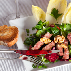blueberry steak spinach salad