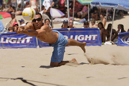 beach volleyball dive
